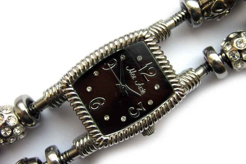 Mon amie часы из сша water resistant до 30 м мех miyota - Фото 2