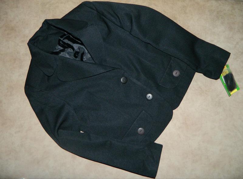 Новый школьный чёрный пиджак на девочку 10-12 лет