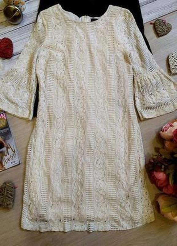 Красивое кружевное платье -рукава воланы размер 12-14(42-44)