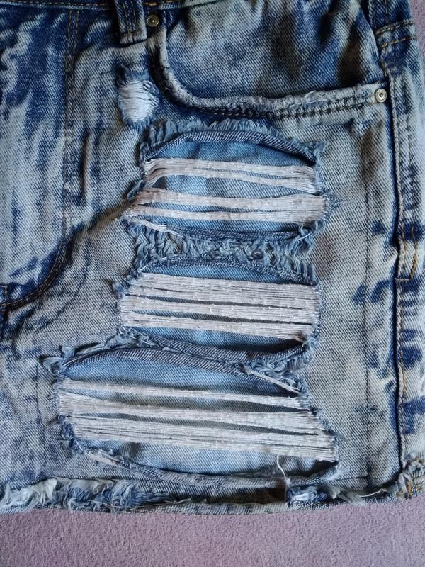 Высокие рваные джинсовые шорты варёнка - Фото 5