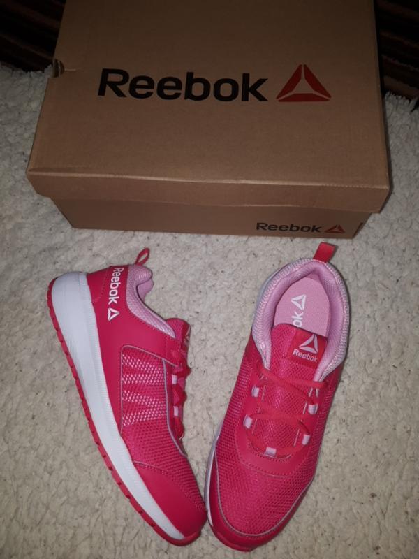 Кроссовки на подростка reebok  37 и 39