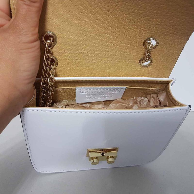Белая сумочка кожа италия на цепочке с цветами - Фото 3