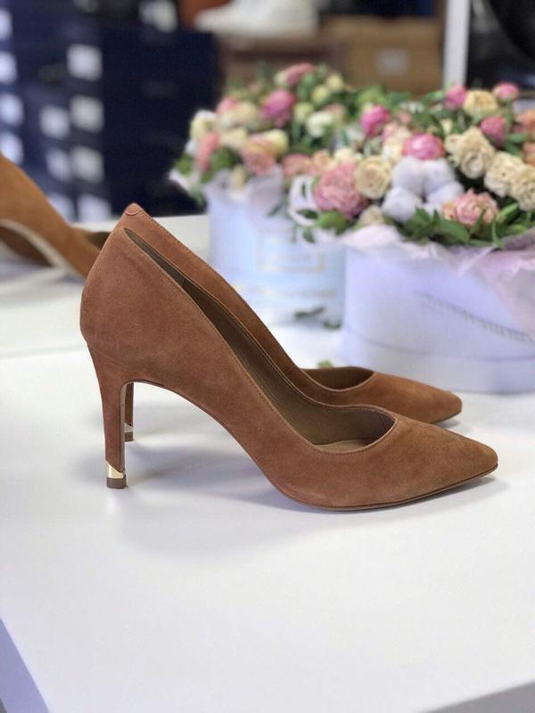 39 р замшевые туфли лодочки minelli