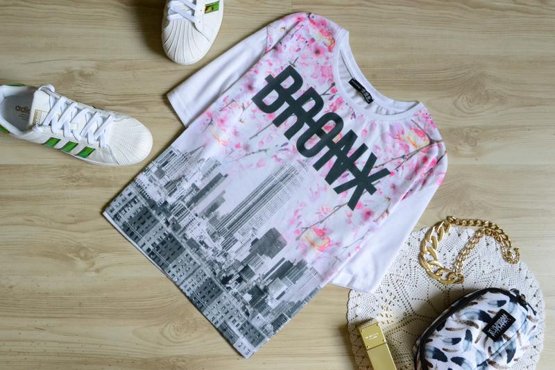 Свободная футболка с ярким принтом bronx atmosphere - Фото 2