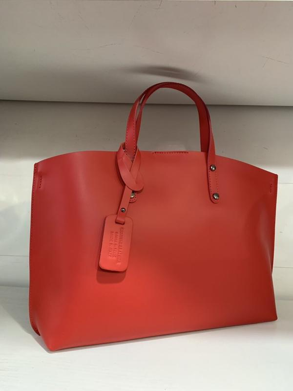 Большая красная сумка кожа италия