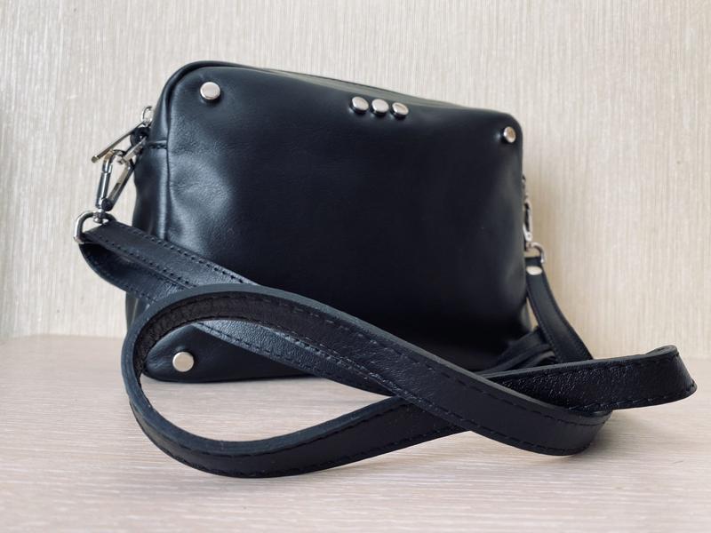 Женская кожаная сумочка итальянского производства