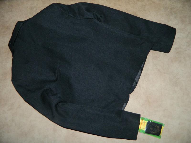 Новый школьный чёрный пиджак на девочку 10-12 лет - Фото 2