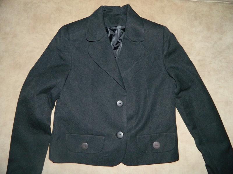 Новый школьный чёрный пиджак на девочку 10-12 лет - Фото 3
