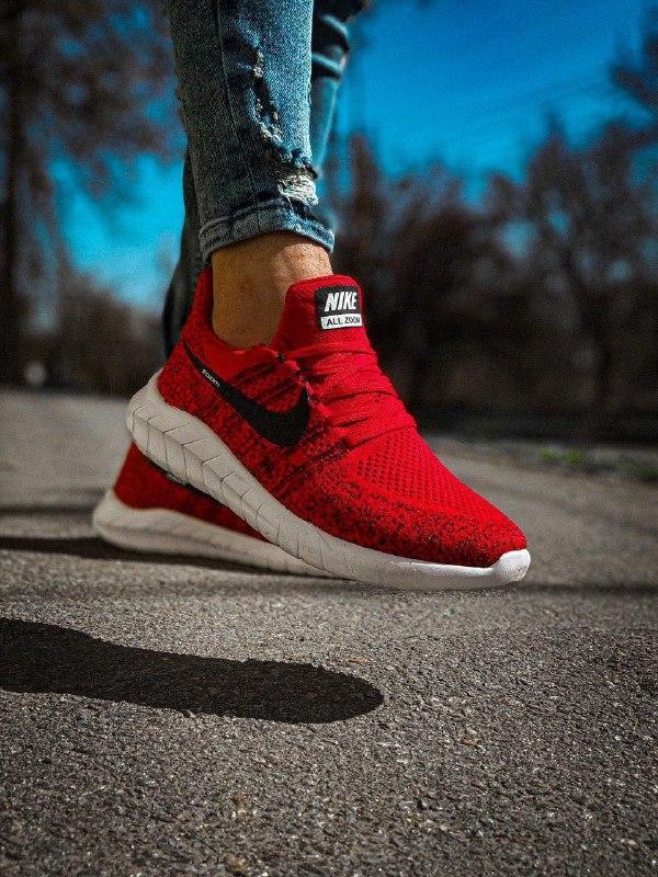 Мужские кроссовки  nike zoom красные с черным с белой подошвой - Фото 2
