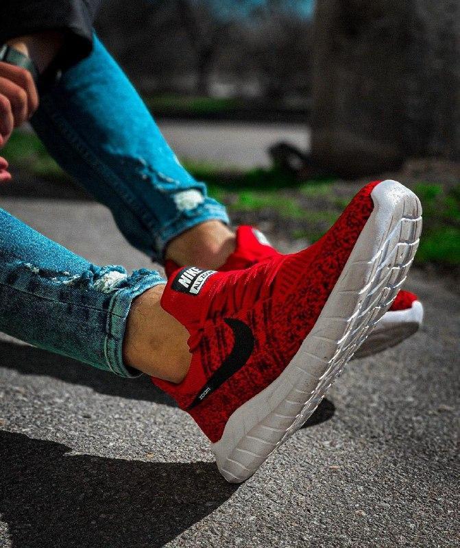 Мужские кроссовки  nike zoom красные с черным с белой подошвой - Фото 3