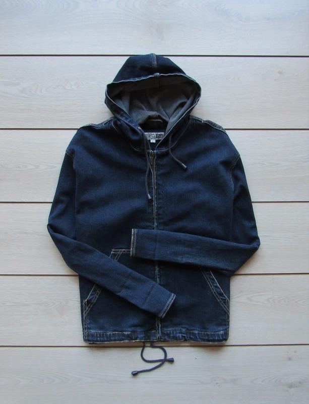 Джинсовая куртка прямого кроя с капюшоном на молнии