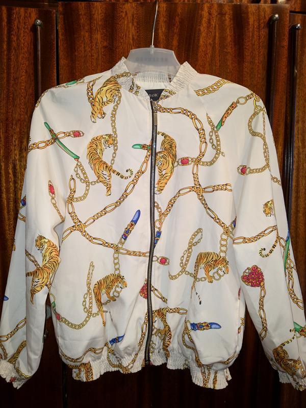 !продам новую женскую лёгкую куртку ветровку пиджак бомбер zara