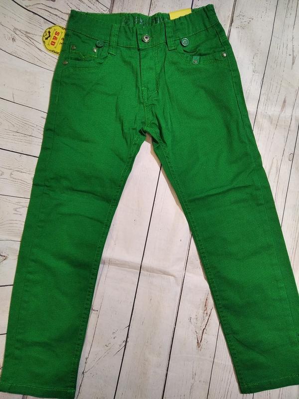 Яркие,стильные брюки на 140. для мальчика.