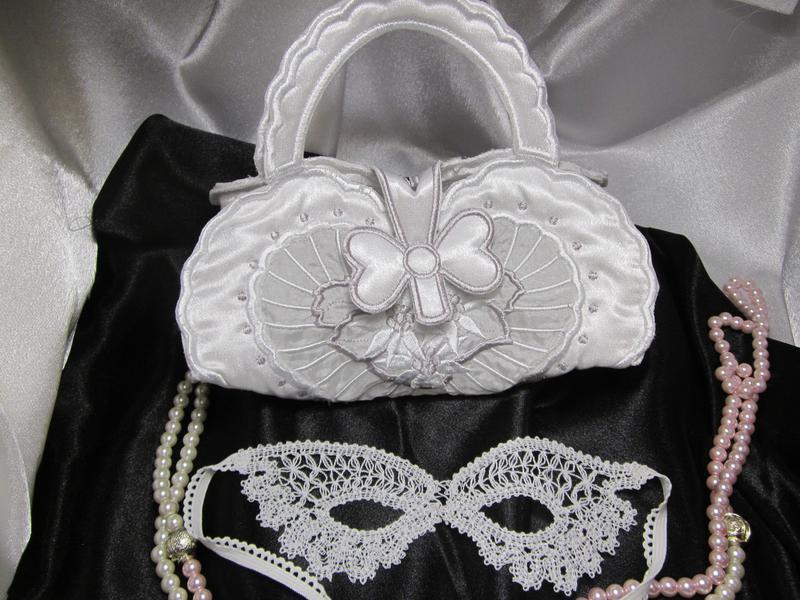 Свадебная сумочка «сердце»