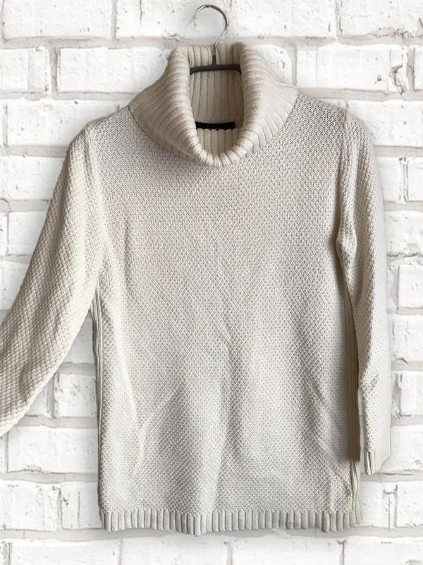 Женский теплый вязаный удлиненный свитер с воротником прямого кро