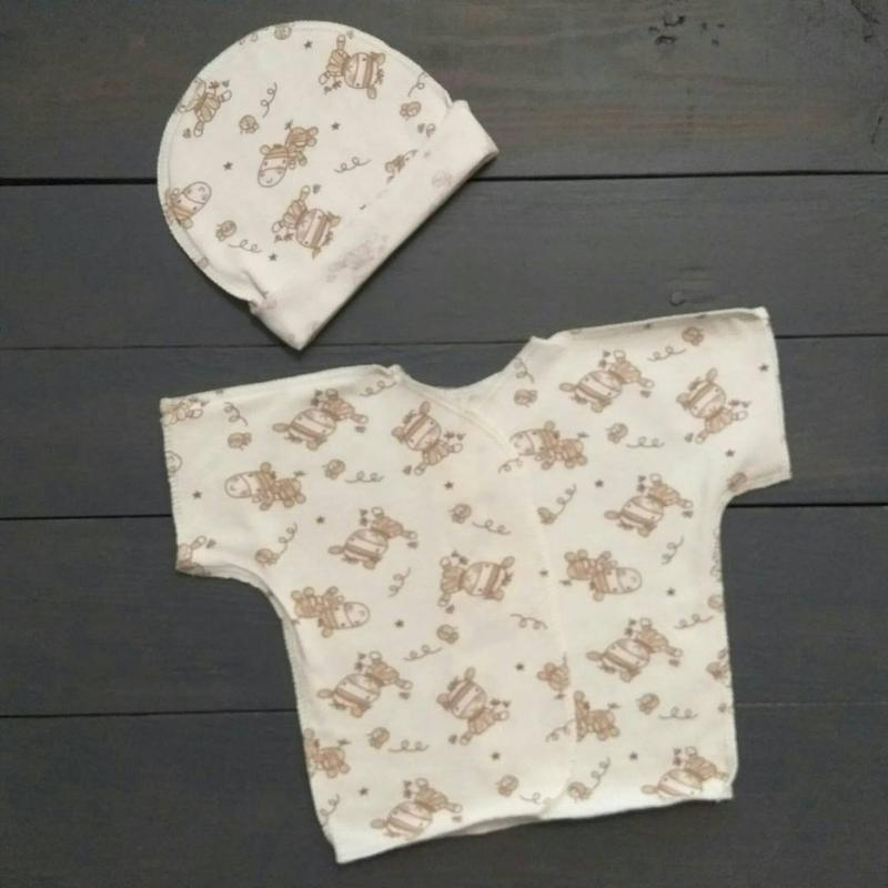 Комплект для младенца - шапочка и распашонка