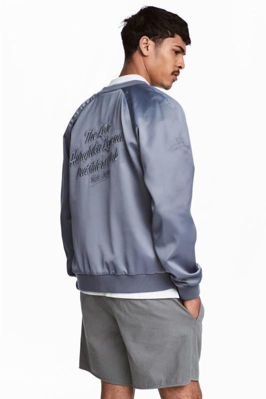 Куртка бомбер h&m с вышивкой !