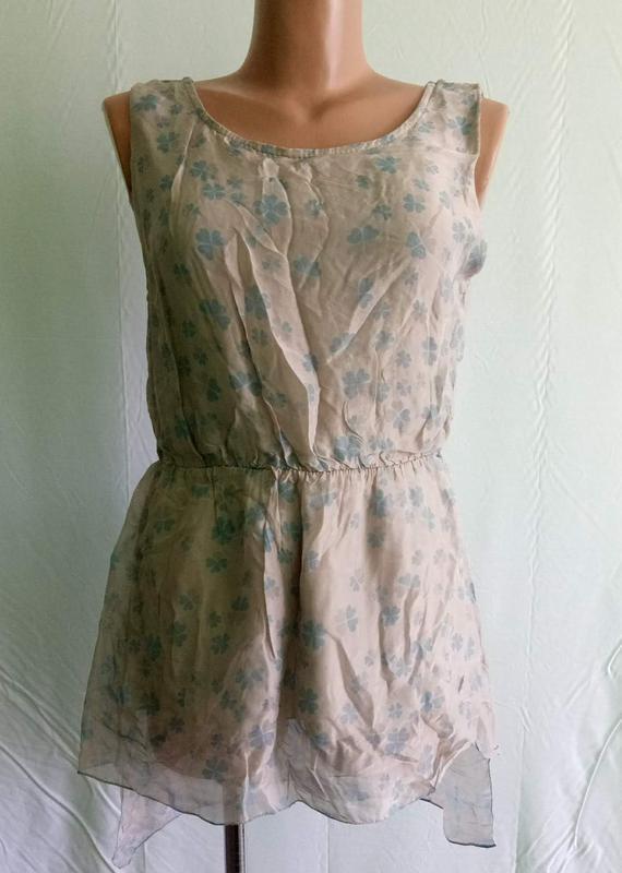 Блуза дымчатая с хвостом--натуральный шелк-- италия 44р