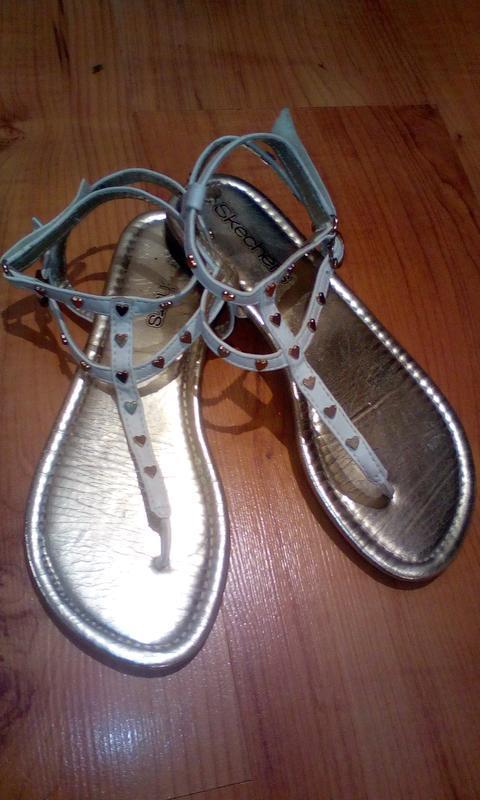 Классные босоножки, сандали с сердечками
