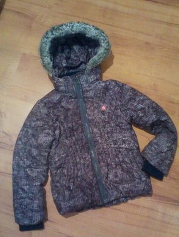 Курточка демисезонная с капюшоном