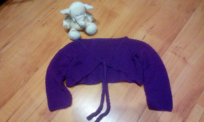 Вязаное теплое балеро на 3-4 годика