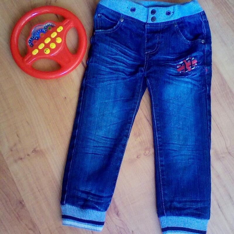 Модные фирменные джинсы на 3-5 лет