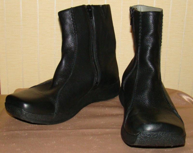 Сапоги женские демисезонные кожаные черные полусапожки clarks