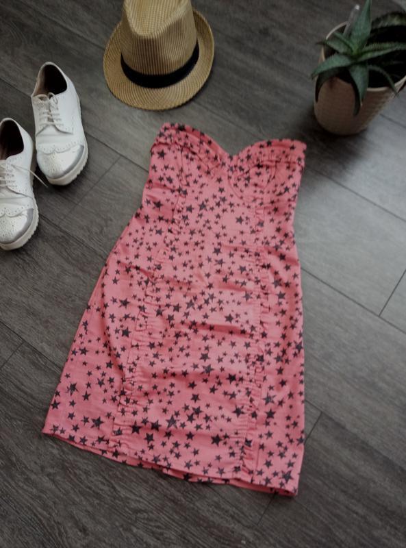Платье бюстье коктейльное в красивый летний принт