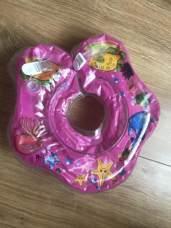 Надувной круг с погремушкой для купания малышей тм
