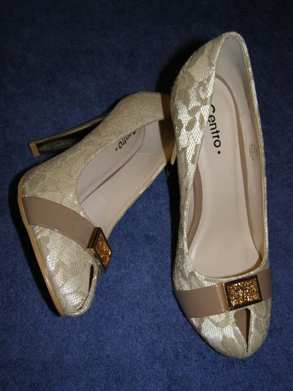 Шикарные новые туфельки с открытым носочком. размер 38
