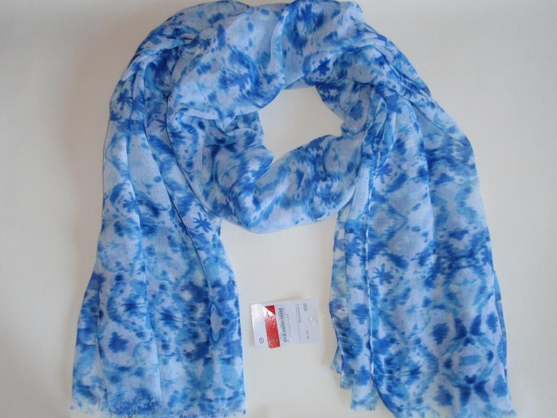 Очень красивый нежный шарф палантин accessoires c&a, германия