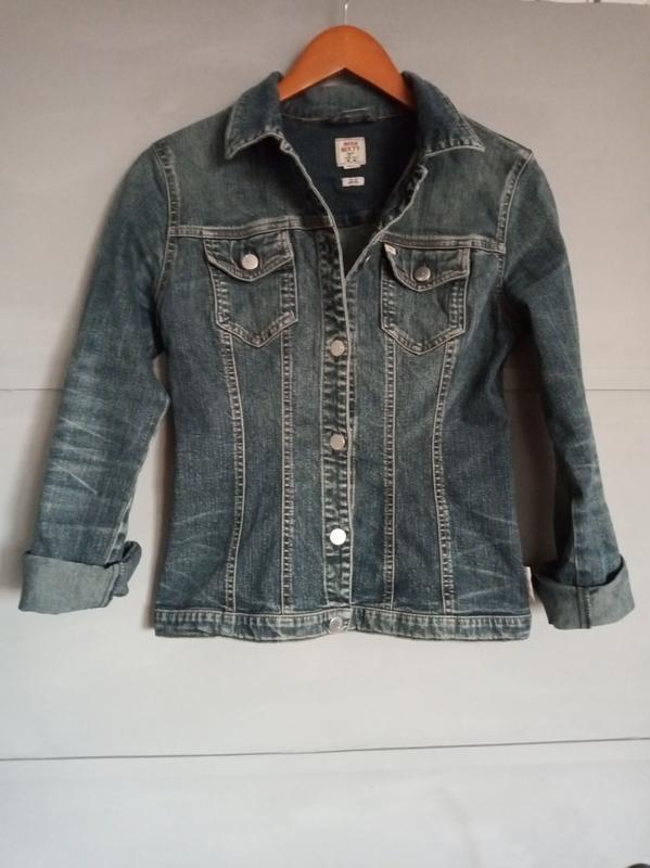 Джинсовка . джинсовая куртка. джинсовый пиджак