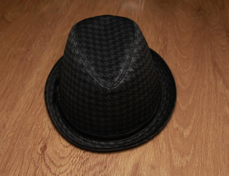 Шляпа с тонкими полями atmosphere