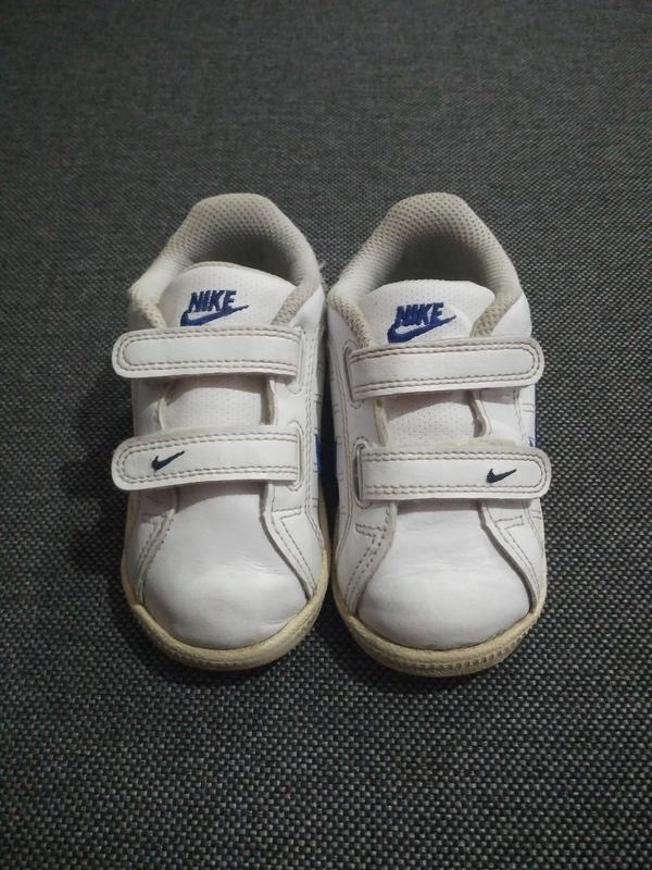 Белые кроссовочки nike