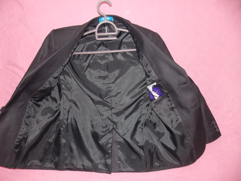 Школьная форма на мальчика ( пиджак и брюки ) на 8 - 10 лет - Фото 3
