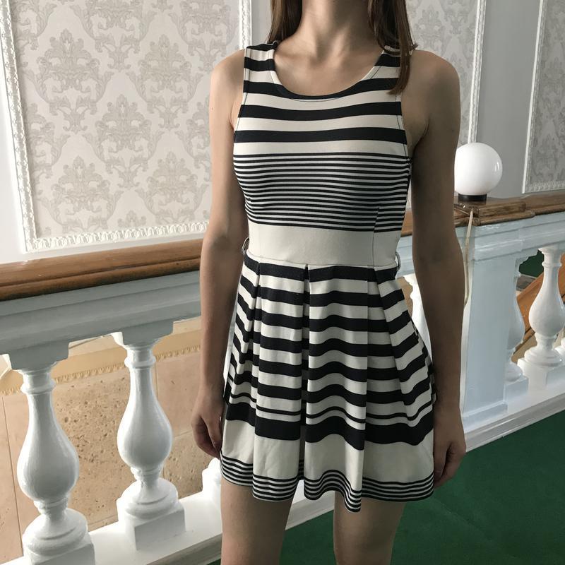 Летнее полосатое платье без рукавов - Фото 3