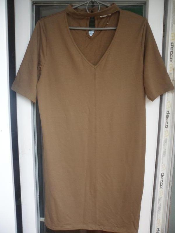 Платье футболка цвета хаки с чокером river island прямого кроя...