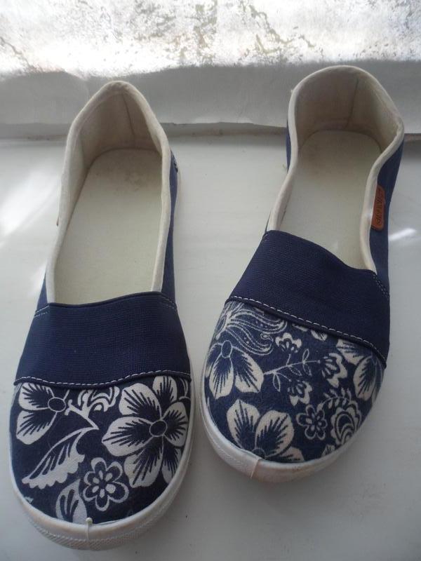 Синие балетки экспадрильи мокасины тапочки в принт цветы - Фото 5