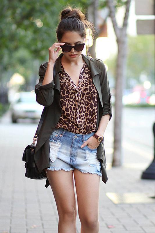 Нарядная блуза в принт леопард atmosphere с воланами без рукав...