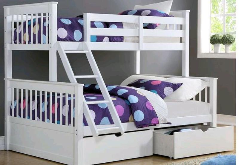 Двухъярусная трехспальная кровать с натурального дерева Олигарх