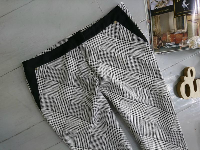 Актуальные укороченные зауженные брюки скинни дудочки сигаретк... - Фото 2