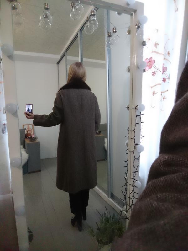 Актуальное винтажное двубортное шерстяное пальто - Фото 4