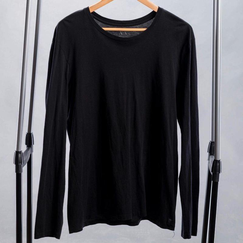 Черная хлопковая футболка мужская с длинным рукавом