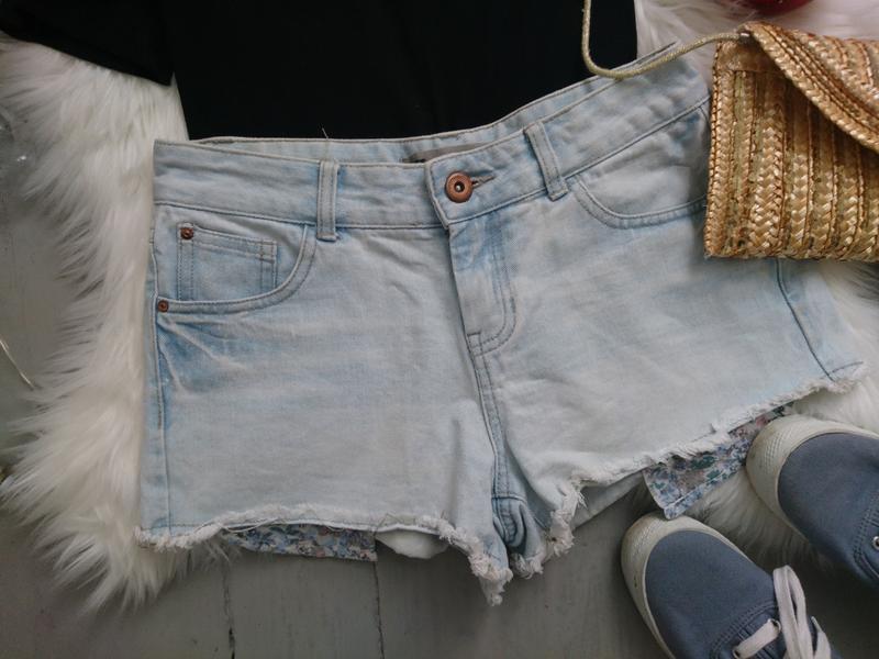 Актуальные джинсовые шорты с выглядывающими карманами №307 - Фото 2