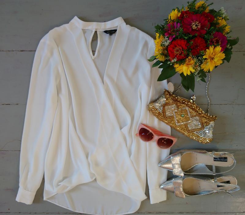 Актуальная блуза на запах с чокером №23
