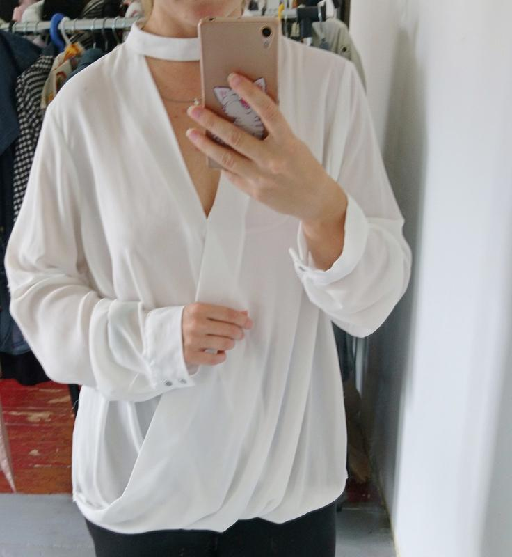 Актуальная блуза на запах с чокером №23 - Фото 2