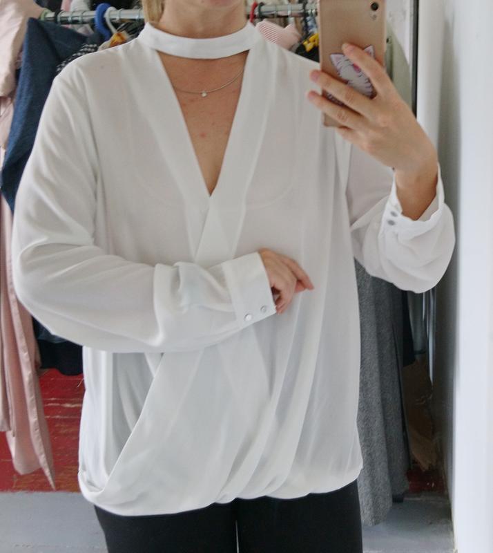 Актуальная блуза на запах с чокером №23 - Фото 3