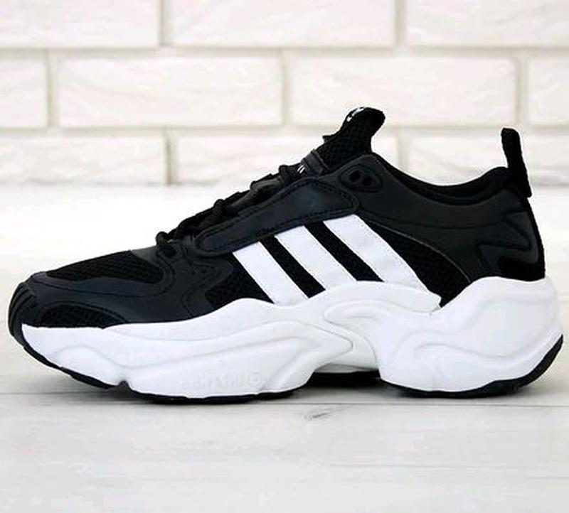 Мужские кроссовки Adidas Consortium x Naked Magmur Runner черные - Фото 2
