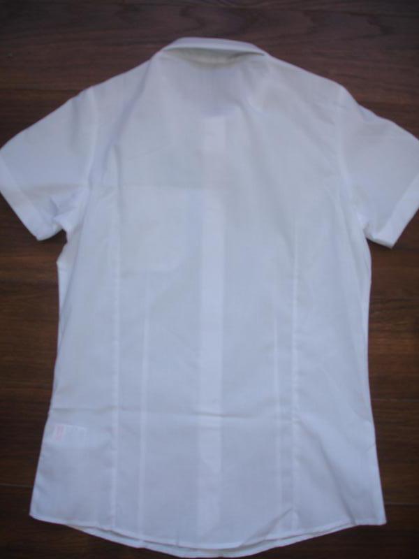 Фирменная школьная рубашка слим девочке 9-10 лет