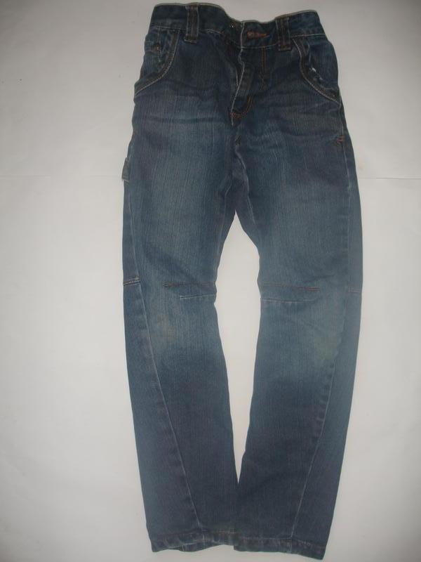 Фирменные george крутые джинсы узкачи мальчику 6-7 лет идеал